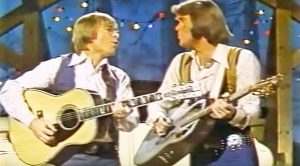 "John Denver & Glen Campbell Give Exceptional ""Don't It Make You Want To Go Home"" Duet"