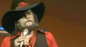 Johnny Paycheck Has Brazen Message For That Overbearing Boss In His Hit Song