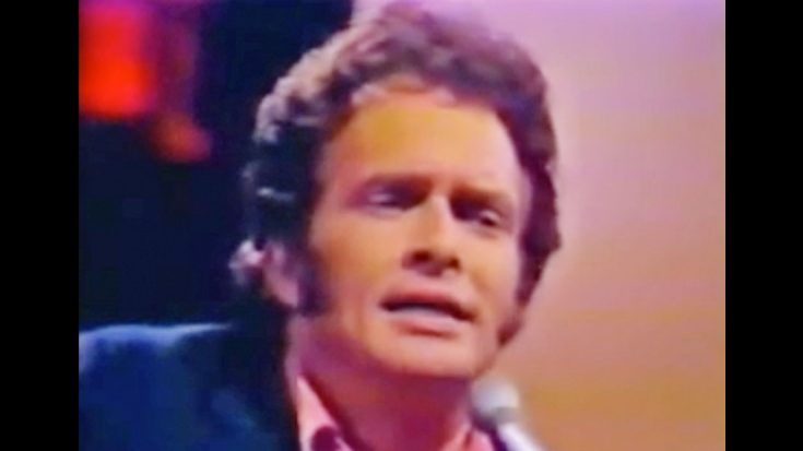 Merle Haggard Tells Us 'The Legend Of Bonnie And Clyde' With Upbeat Performance | Classic Country Music Videos