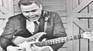 Roy Clark Shreds The Guitar On 'The Jimmy Dean Show'