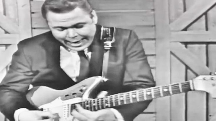 Prepare To Be Amazed By Roy Clark Absolutely Shredding The Guitar | Classic Country Music Videos