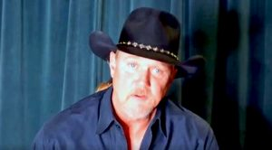 Trace Adkins Warns Fans About Serious Online Scam