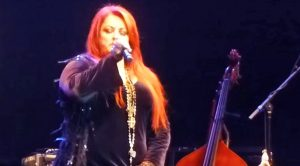 Wynonna Judd Delivers Chills With Astounding Rendition Of Leonard Cohen's 'Hallelujah'