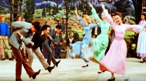 """Relive The Olden Days With This Iconic """"7 Brides For 7 Brothers"""" Barn Dance"""
