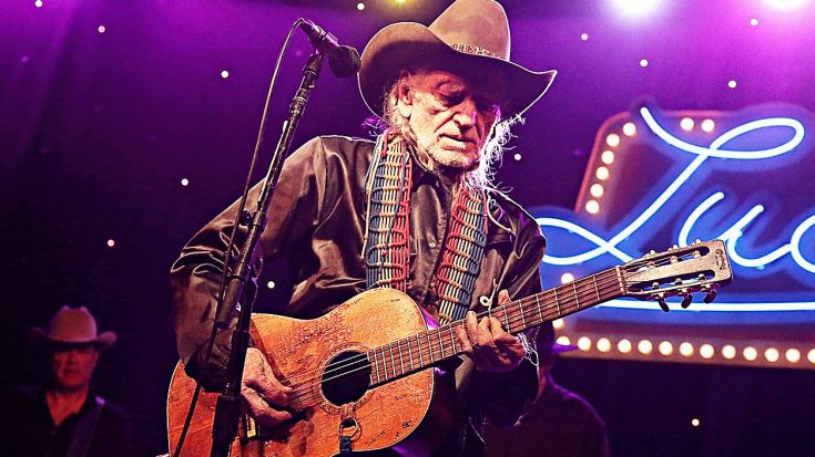 Willie Nelson Looking Much Healthier In New Photo | Classic Country Music Videos