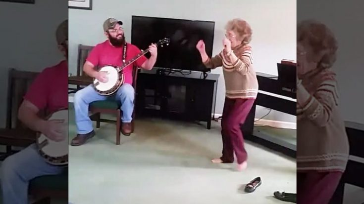 85-Year-Old Kicks Off Loafers & Breaks Into Epic Bluegrass Shuffle | Classic Country Music Videos