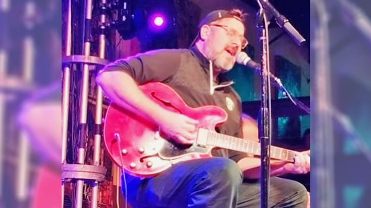 """Vince Gill Honors Daryle Singletary On Day Of His Passing By Singing """"Together Again"""" 