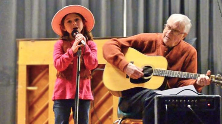 6-Year-Old Cowgirl Sings The Cutest Rendition Of 'Mammas Don't Let Your Babies Grow Up To Be Cowboys'   Classic Country Music Videos