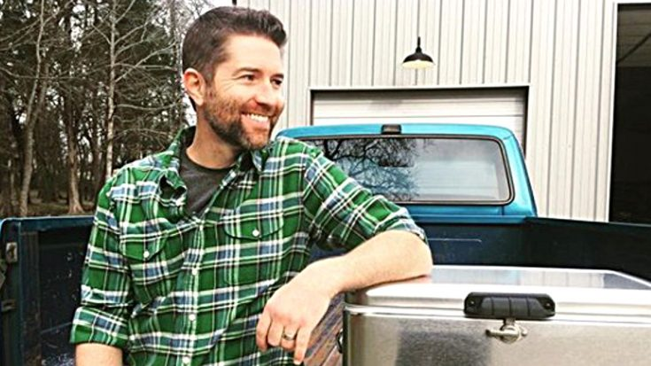 Is Josh Turner Sporting A Mini-Mullet In Just-Shared Photo? | Classic Country Music Videos