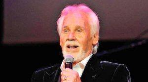 Kenny Rogers' Famous Duet Partner Just Got Announced As Newest Hall Of Fame Inductee
