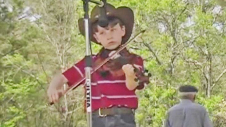 7-Year-Old Blows The Competition Out Of The Water With Jaw-Dropping Fiddle Performance | Classic Country Music Videos