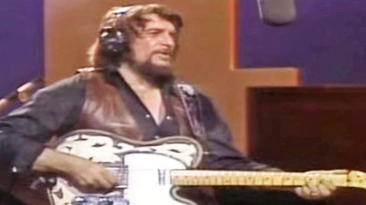 Uncovered Footage Shows One Of Waylon Jennings' Rarest Performances | Classic Country Music Videos