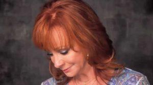 On Anniversary Of Plane Crash, Reba Mourns The Loss Of Her Fallen Bandmates