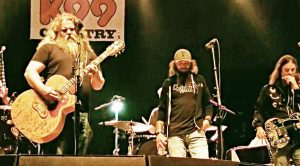 Crowd Loses It Over Jamey Johnson's Merle Haggard Cover