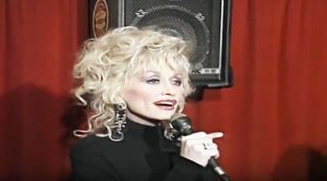 Luck of the Irish? Dolly Treats Pub To Once-In-A-Lifetime Performance