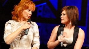 """Reba Asks Kelly Clarkson """"Does He Love You?"""""""