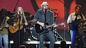 Bad Boys Willie Nelson and Toby Keith Take The Stage To Pay Tribute To A 'Good Hearted Woman'