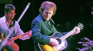 Grammy Award-Winning Country Legend Passes Away After 'Brief Illness'