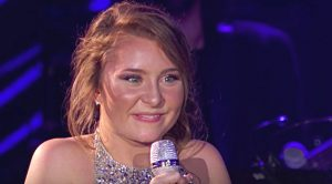 Teen 'Idol' Singer Squeals With Joy After Hearing Judges' Comments On 'A Broken Wing' Cover
