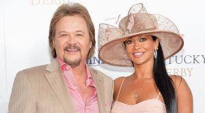 7 Times Travis Tritt And His Wife, Theresa, Blinded Us With Their Love