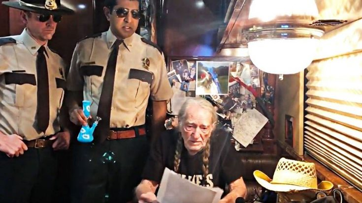 Super Troopers Hold Willie Nelson Hostage | Classic Country Music Videos