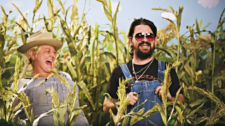 Shooter Jennings Brings Back 'Hee Haw' For Brand-New Song You Can't Miss | Classic Country Music Videos