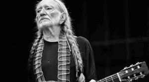 Oscar Nominee Reveals Just How Much Money He's Lost To Willie Nelson