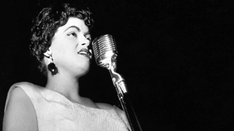 """The Chilling Truth Behind Patsy Cline's """"Sweet Dreams"""" 