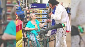 Elvis Impersonator Approaches Elderly Woman – Her Response Will Leave You Sobbing