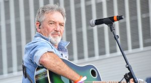 Country Legend On The Hunt For Stolen Grammy