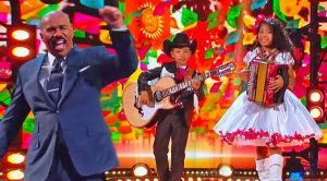 You Have To See Steve Harvey's Reaction To Buck Owens' Classic By Brother & Sister Duo