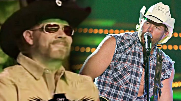Toby Keith Unleashes Powerful Hank Jr. Cover Right In Front Of Him | Classic Country Music Videos