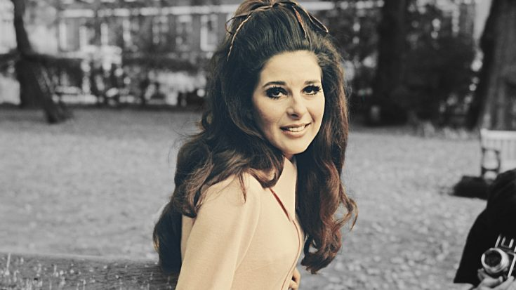 37 Years After She Vanished, Bobbie Gentry Releases New Music | Classic Country Music Videos