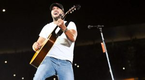Luke Bryan Sings Medley Containing Songs By Alabama, George Strait, & More