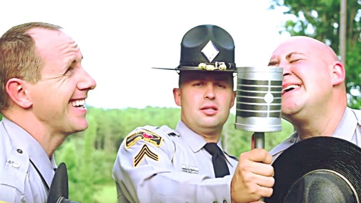 Officers Perfectly Mimic 'O Brother, Where Art Thou?' In 'Man Of Constant Sorrow' Lip Sync | Classic Country Music Videos