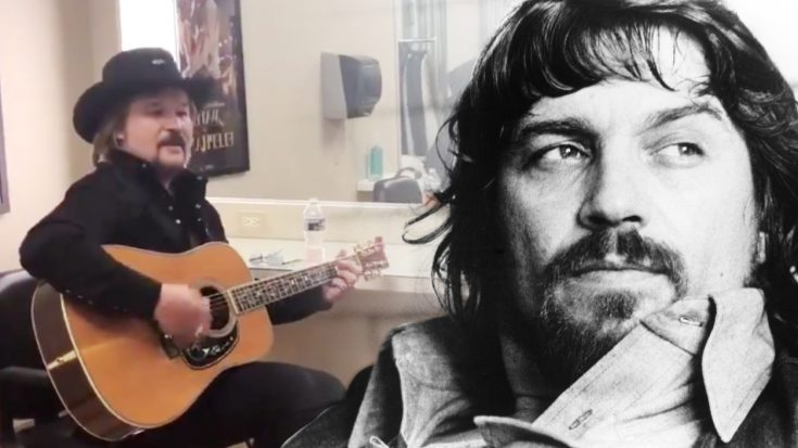Travis Tritt's Backstage Tribute To Waylon Jennings Makes One Country Singer's Day
