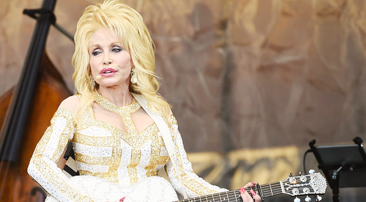 Dolly Parton Goes Unnoticed After Sneaking Into Movie Theater Crying Classic Country Music