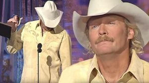 Alan Jackson Breaks Down During 'Song Of The Year' Acceptance Speech For 9/11 Tribute Song