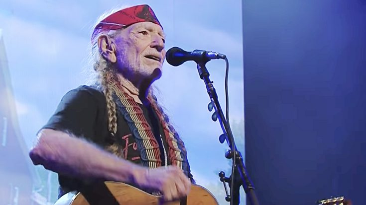 Willie Nelson Takes Us To Church With Gospel Medley At 2018 Farm Aid