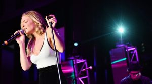"LeAnn Rimes' Flawless ""Good Hearted Woman"" Is A Rare Beauty"