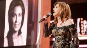 Martina McBride Belts Loretta Lynn Classic In Her Honor