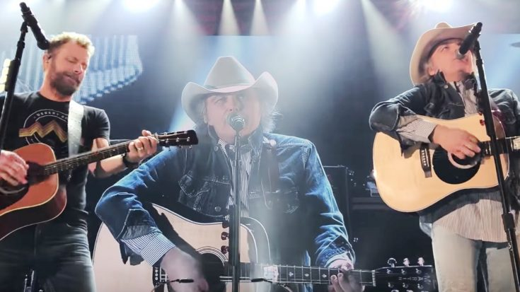 """Dwight Yoakam Crashes Dierks Bentley's Stage To Sing """"A Thousand Miles From Nowhere"""" & """"Fast As You"""" 