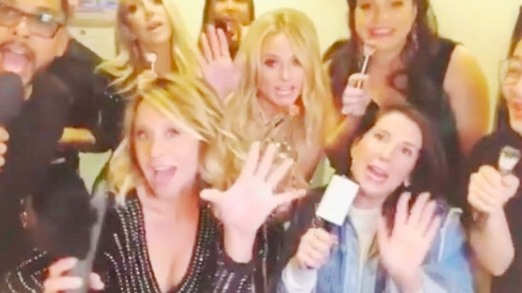 Miranda Lambert & Pals Jam Backstage To Everyone's Favorite 'Grease' Song | Classic Country Music Videos