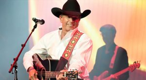 George Strait Invites One Of Country's Biggest Stars To Join Him For One-Night-Only Show