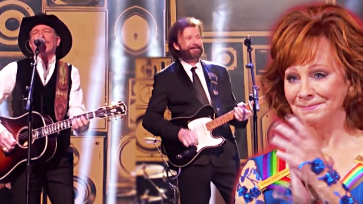Brooks & Dunn Make Rare TV Appearance To Honor Reba | Classic Country Music Videos
