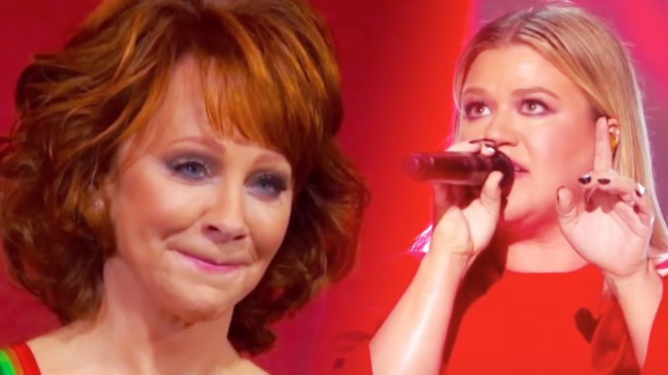 Teary-Eyed Reba Watches While Kelly Clarkson Powers Through 'Fancy'