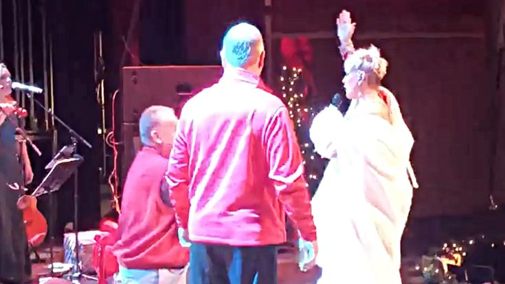 Lorrie Morgan Is All Smiles When Audience Member Gets On One Knee   Classic Country Music Videos