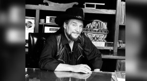 Waylon Sticks It To Record Label, Goes 'To Take A Leak,' Comes Back $25K Richer