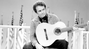 """The Political Message Behind Merle Haggard's """"Okie From Muskogee"""""""