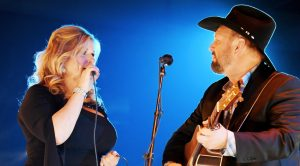 Garth And Trisha Turn Romantic Dolly Parton Song Into Enchanting Duet